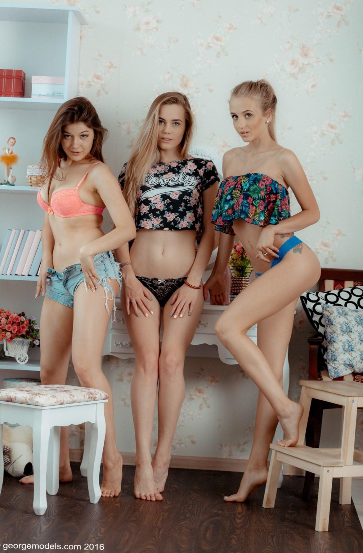 Yulya Vlad Model Sets  Foto