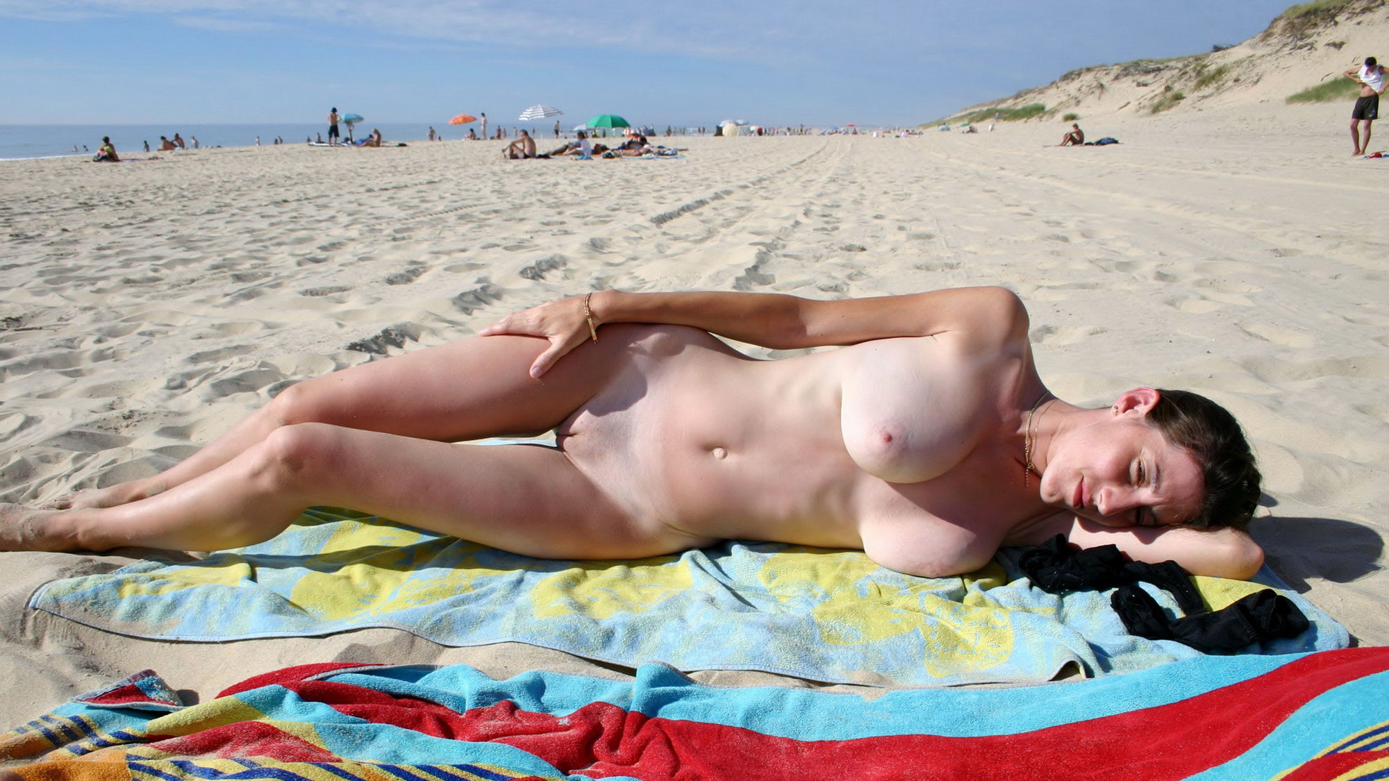 free-movies-videos-nude-beach-britney-spears-loses-leotard