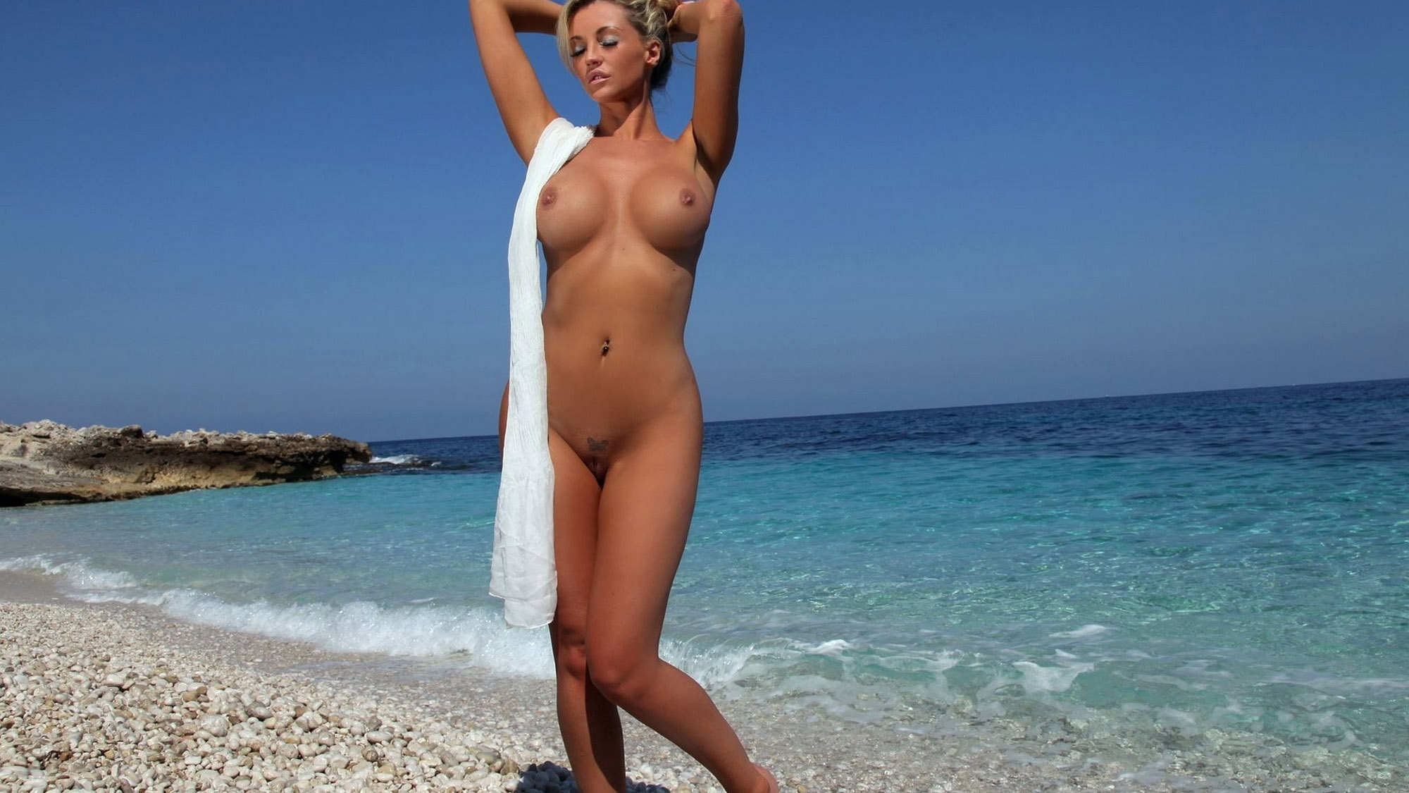 Фото Обнаженных Женщин На Пляже