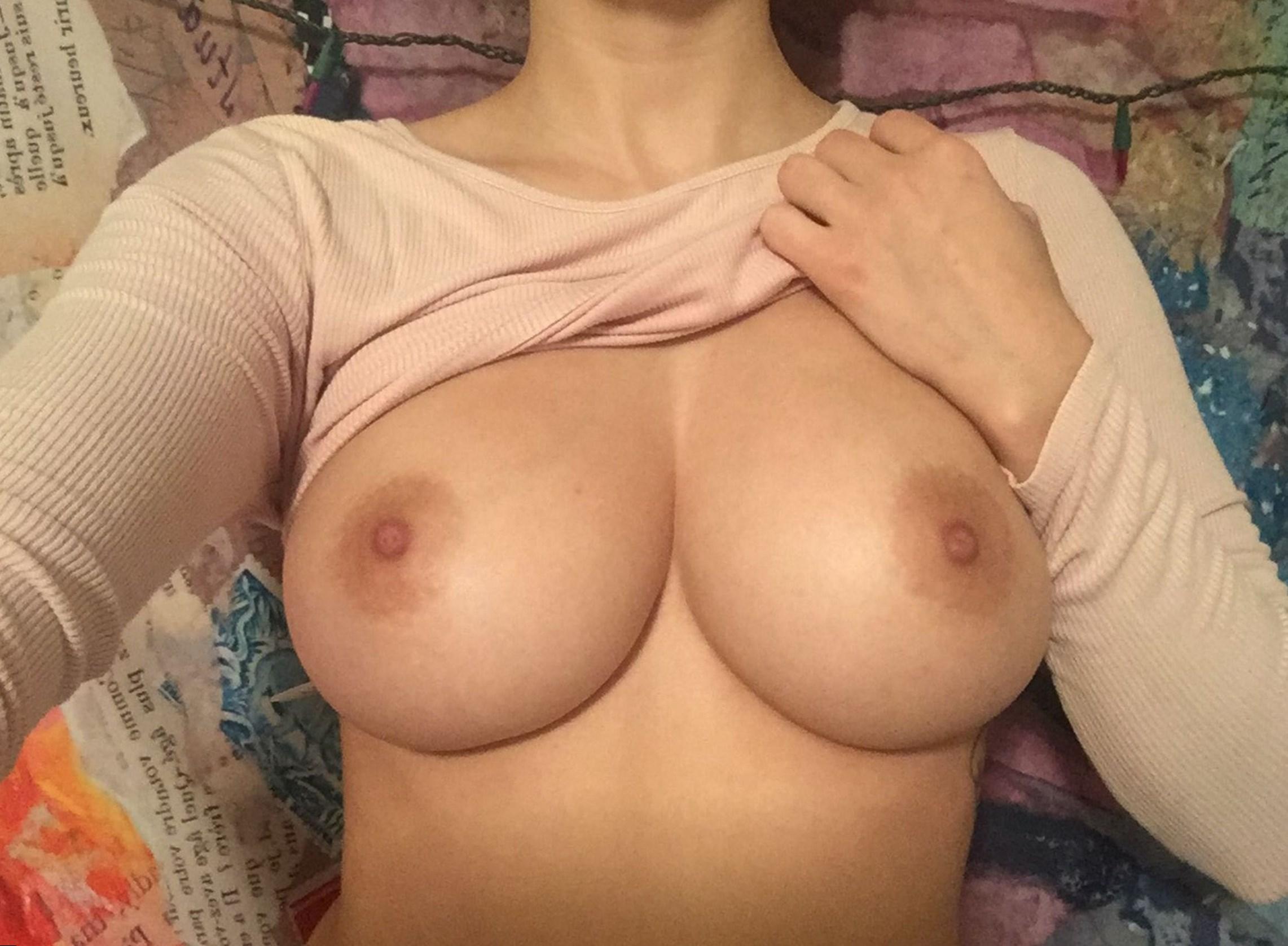 У и девушек как выглядит жопы груди фото размер 4