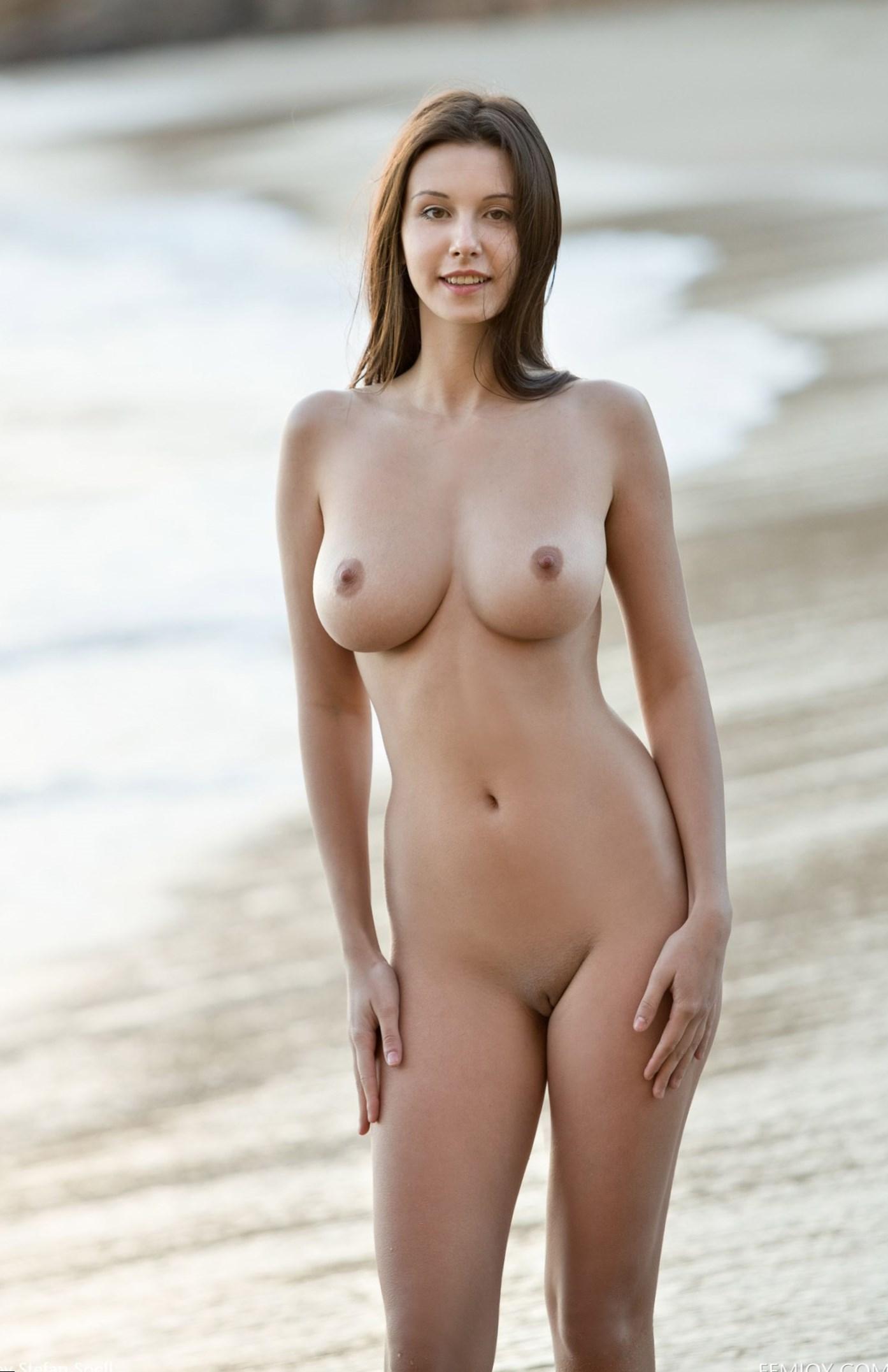 perfect-spanish-girl-naked