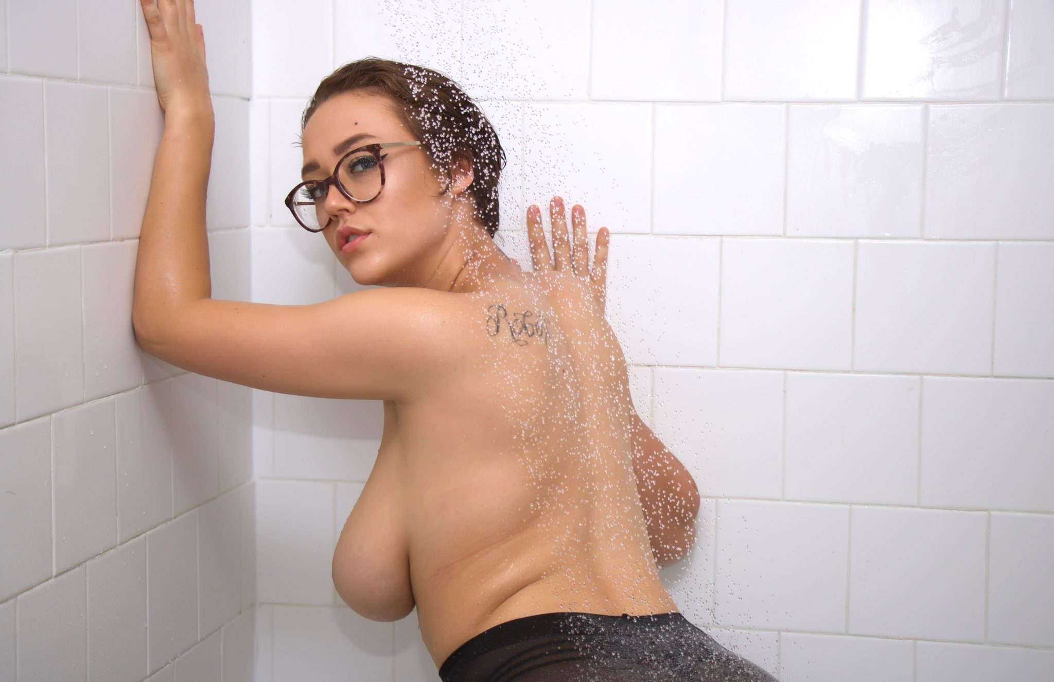 Nadine Nicole Nude After Shower In Casual